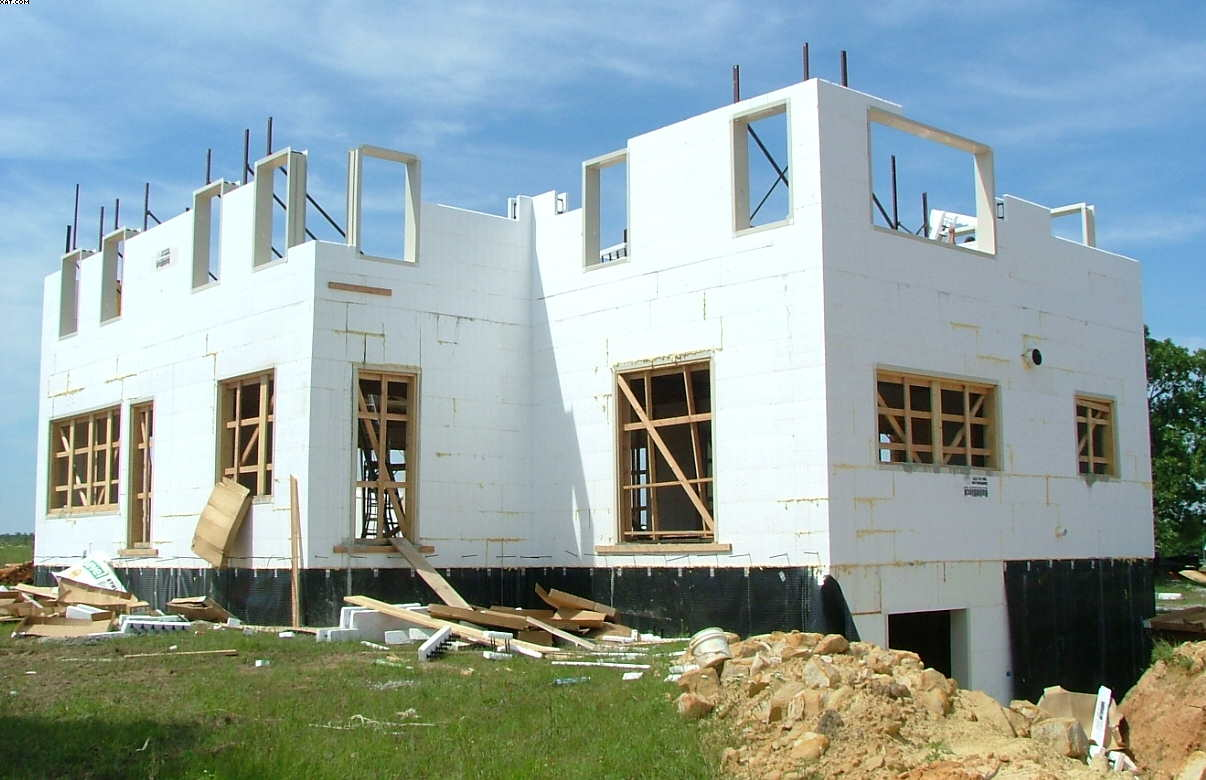 Icf construction 5 reasons to consider for Insulated concrete form house
