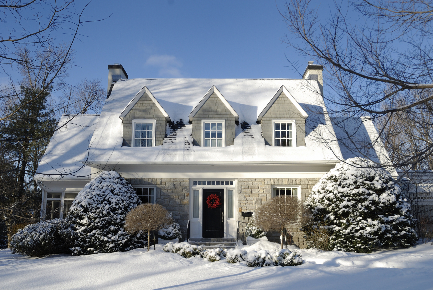 5 DIY Home Improvement Winter Weekend Projects-winter home exteriors-quinju.com